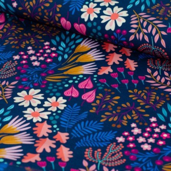 Jersey Bliss Flower Field, bunt auf dunkelblau, Hamburger Liebe (Albstoffe)